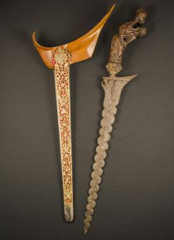 W1-1 Ritual kris with wooden hilt